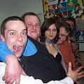 Pan Młody(ten z otwartą jamą ustną), znajomi i ja.... w środku... #emocje #wesele #imprezka